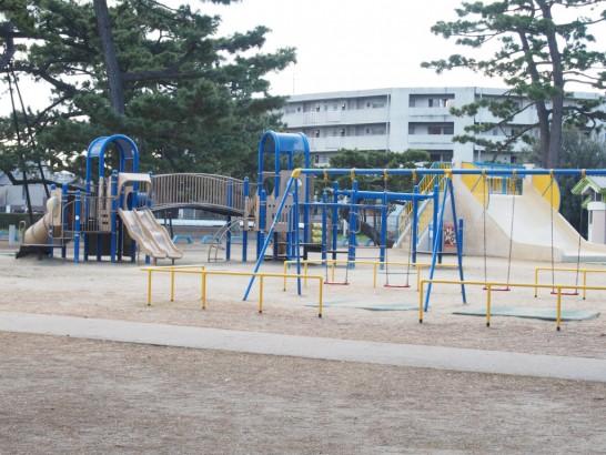 浜寺公園_真ん中辺りの遊具