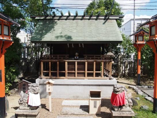 方違神社の小さい社
