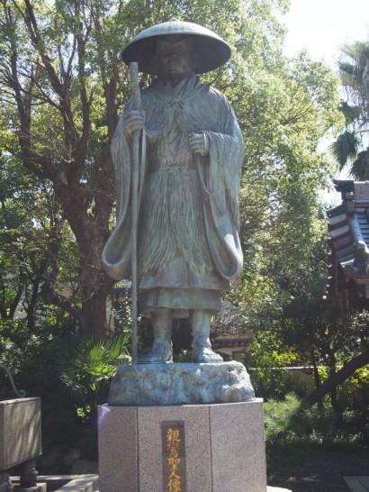 本願寺堺別院の親鸞聖人像