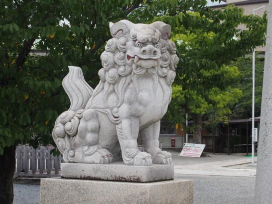 出雲大社大阪分祀の狛犬左